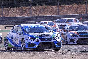 A Motorland, els pilots de PCR Sport lluiten amb els millors