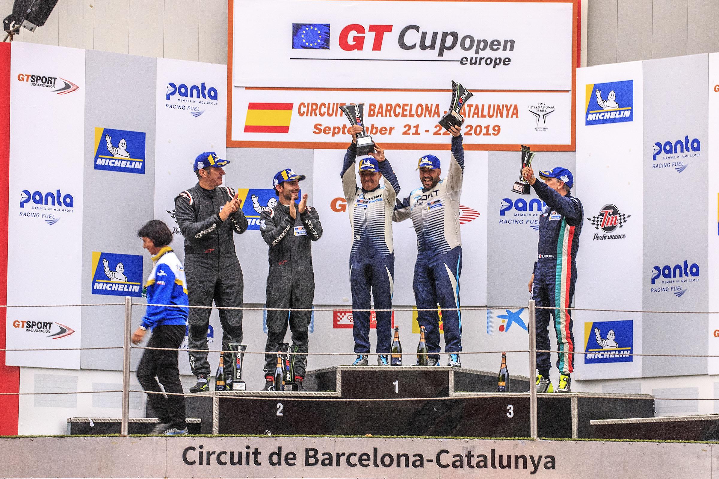 Joan Vinyes - Jaume Font també guanyen al volant del Porsche GT3