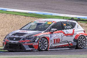 Mikel Azcona retorna amb força a la Seat León Eurocup.