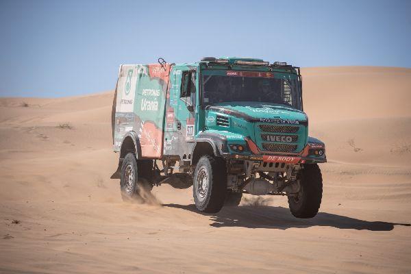 Llovera-Torres-Marco segueixen en una línia molt regular, en l'inici del Dakar 2020