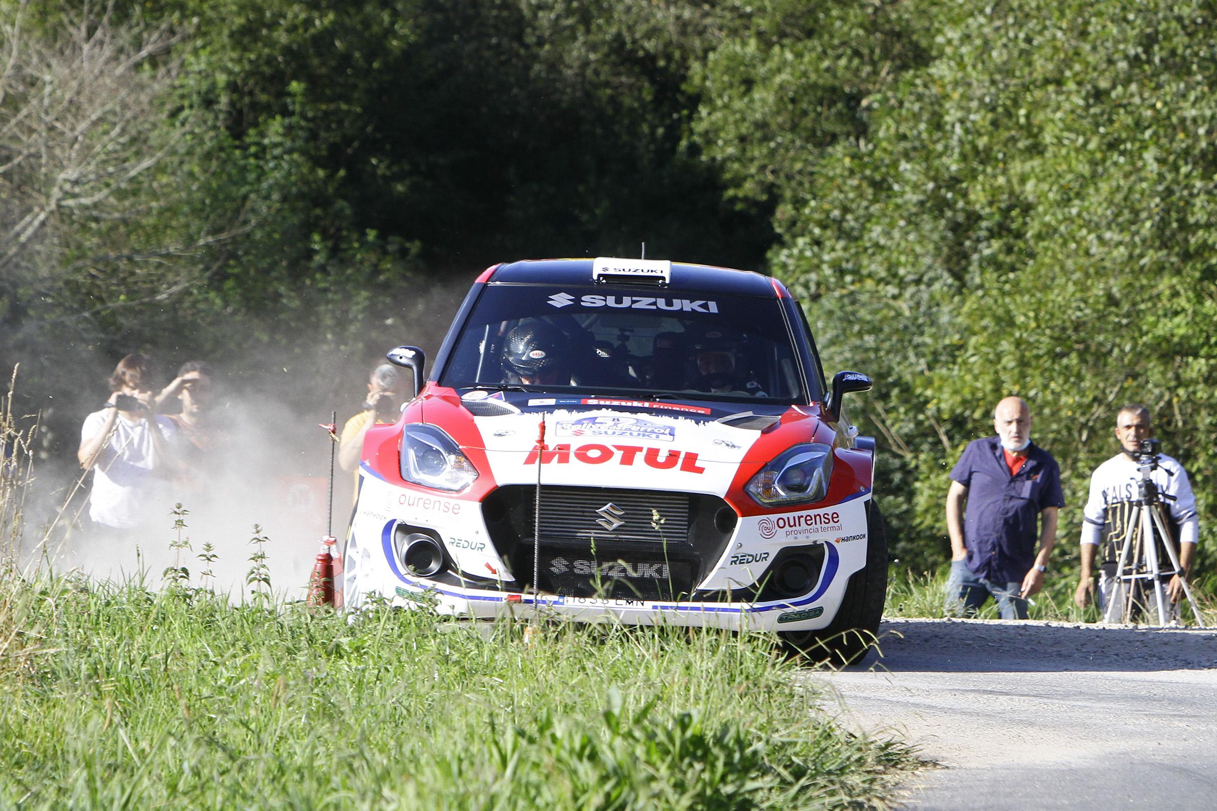 Joan Vinyes-Jordi Mercader (Suzuki Swift R4lly S), altre vegada davant un escenari desconegut.